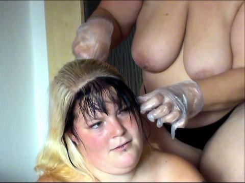Hammer geiles Haare färben halb Nackt 2