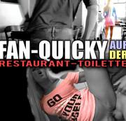Fan-Quickie auf der Restaurant-Toilette