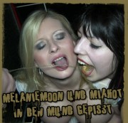 GB-CHIEF: MelanieMoon und MiaHot in den Mund gepisst Download