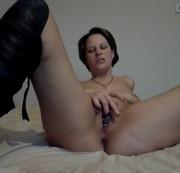Perlenarmband in der Pussy