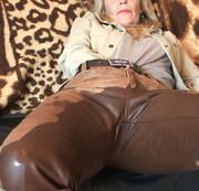 mein leder sofa....meine leder hose