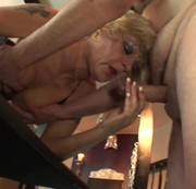 LUDER-INSPEKTOR: geile MILF im swingerclub Download