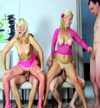 4 Spermabomben im Gesicht !!!!